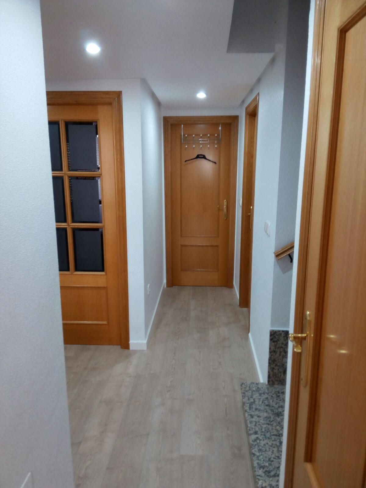Pintar puertas armario empotrado top puertas de roperos - Renovar puertas sapelly ...