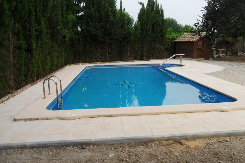 Construcción de playero en piscina